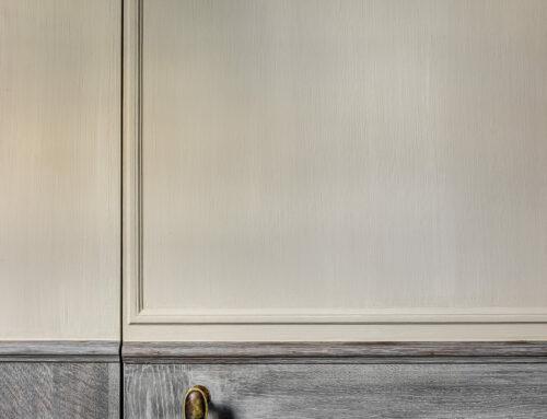 Borstelstructuur nat-in-nat geschilderde muren / Houtwerk verweerde eik