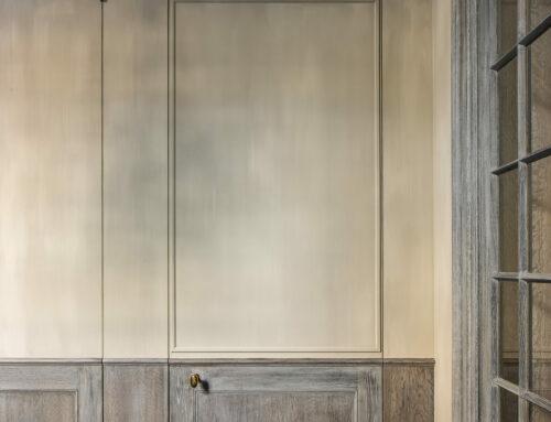 Muren kalkeffect / Houtwerk: Verweerde eik
